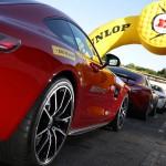Sportwagen verlangen Höchstleistung von den Reifen. Foto: Dunlop / news2do.com